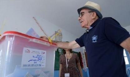 انطلاق الانتخابات التشريعية بتونس