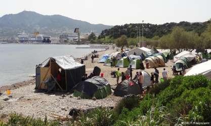 إصابة 10 مهاجرين في هجوم لمتطرفين بجزيرة يونانية