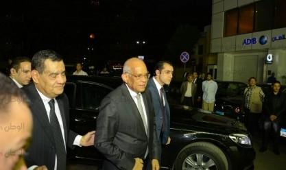 سوزان وجمال مبارك وعلي عبد العال في عزاء زوجة فتحي سرور