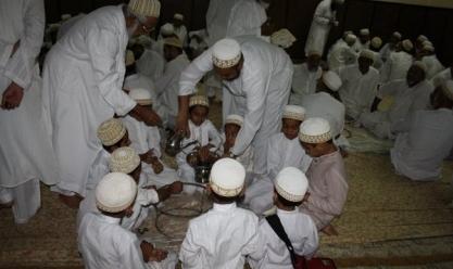 """رمضان في تنزانيا.. مصابيح مضيئة و""""لمة عيلة"""" والتمر هو الأساس"""