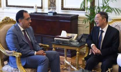 لقاء رئيس الوزراء وسفير الصين