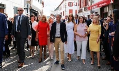 زيارة لزوجات قادة مجموعة السبع والمشاركين في القمة لشوارع إسبيليت