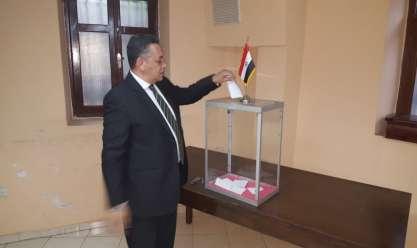 بالصور| توافد كبير على السفارة المصرية بالمغرب للمشاركة في الاستفتاء