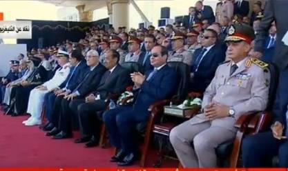 السيسي يصدق على تعيين خريجي الكليات والمعاهد العسكرية كضباط بالجيش