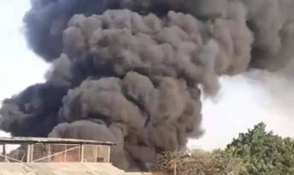 إخماد حريق شب في أرض بجوار شركة أدوية بالطالبية