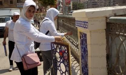 طلاب تربية نوعية بالفيوم يجمّلون كورنيش بحر يوسف