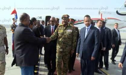 رئيس المخابرات ووزير الري يستقبلان رئيس المجلس العسكري السوداني