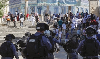 اشتباكات بين شرطة الاحتلال ومصلّين فلسطينيين في الأقصى أول أيام عيد الأضحى