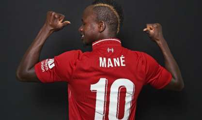 بالصور| «ماني» يرتدي رقم 10 في ليفربول بالموسم الجديد