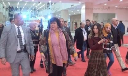 وزيرة الثقافة تفتتح 3 معارض تشكيلية
