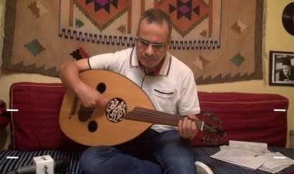 دار يا دار جابر القرموطي يغني على العود لضيوف منتدى