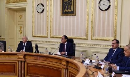 اجتماع حكومي لمناقشة «تحويل المركبات للعمل بالغاز»