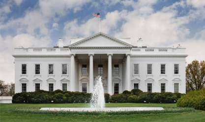 عاجل| إغلاق البيت الأبيض بعد محاولة سيارة اختراق الحواجز الأمنية