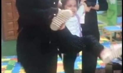 """تضامن الإسكندرية: جار التأكد من فيديو """"تعذيب طفلة داخل حضانة"""""""