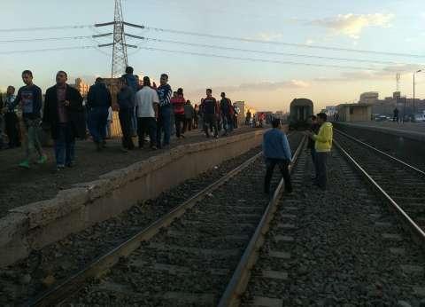 """ضبط عاطل متلبسا بسرقة طالب في قطار """"القاهرة - دمياط"""""""