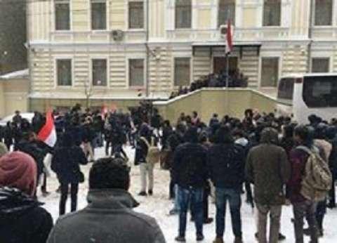 """رغم الجليد.. المصريون بـ""""أوكرانيا"""" يواصلون الإدلاء بأصواتهم"""