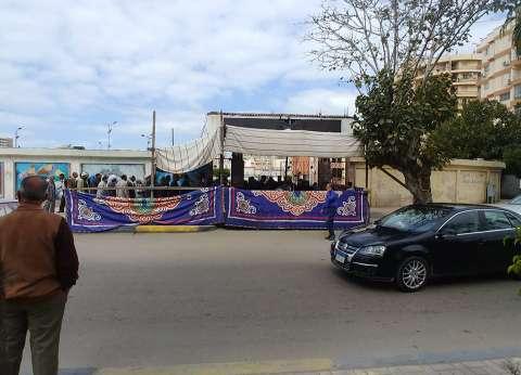 بالصور| إقبال كبير بلجان المغتربين شرق الإسكندرية على الاستفتاء