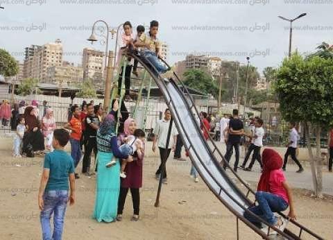 الحدائق والمتنزهات تستقبل المواطنين فى ثانى أيام العيد.. والشرطة النسائية تطارد المتحرشين