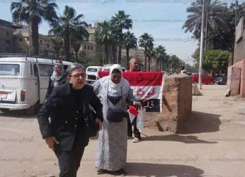 زغاريد وأغاني وطنية أمام اللجان الانتخابية في بولاق الدكرور