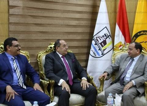 محافظ سوهاج يزور رئيس جامعة بني سويف لتهنئته بمنصبه الجديد