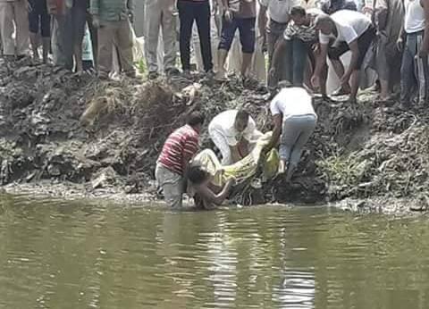 انتشال جثة عامل بمزرعة غرق في ترعة الشجاعة بالبحيرة