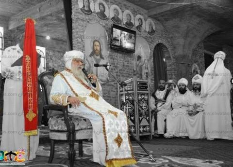 محافظ مطروح يرسل برقية تهنئه للأنبا باخوميوس مناسبة عيد القيامة المجيد