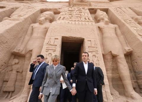 """نقيب المرشدين السياحيين بـأسوان يروي كواليس زيارة """"ماكرون""""لـ""""أبو سمبل"""": مولع بالآثار المصرية"""