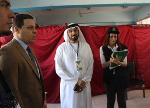 خالد بن زايد يتفقد لجنة مدرسة سيزا نبراوي في القاهرة الجديدة