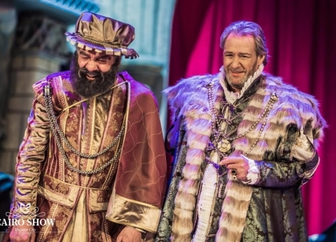 """كلماته الأخيرة فى مسرحية """"الملك لير"""": """"أستمد قوتى من تصفيق الجمهور"""""""
