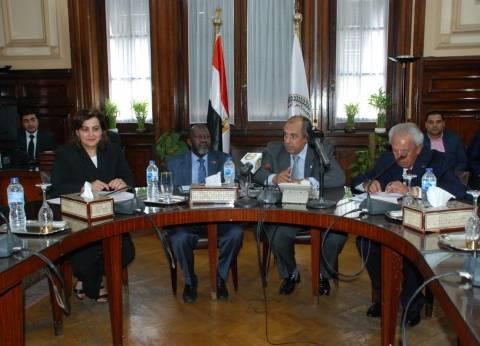 وزير الزراعة يبحث مع نظيره السوداني سبل تعزيز التعاون المشترك