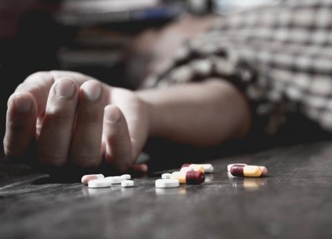 لتجنب الانتحار.. خطوط ساخنة لتلقي الدعم والاستشارات النفسية