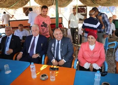 بالصور| وزير المالية ومحافظ جنوب سيناء يزوران منطقة حمام موسى بالطور