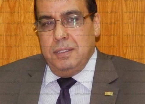 رئيس جامعة القناة: استمرار اللقاءات التعريفية للطلاب المستجدين لدمجهم