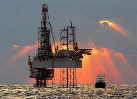 السعودية وروسيا تفكران في زيادة إنتاج النفط الخام في الربع الثالث
