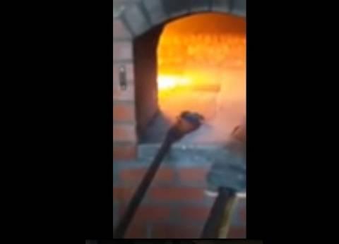 """""""فأر"""" في فرن """"مخبز"""".. مقطع فيديو يثير الجدل على مواقع التواصل"""