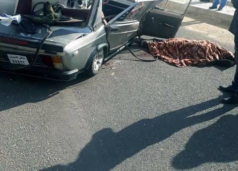 مصرع شخص إثر تصادم سيارتين على طريق السخنة بالسويس
