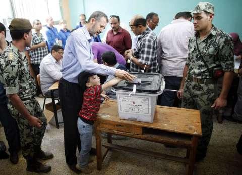 """""""العليا للانتخابات"""" بالإسماعيلية تستجيب لشكوى المواطنين بتأخر فتح اللجان"""