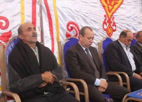 محافظ دمياط يقدم واجب العزاء لأسرة شهيد الوطن محمد شويقة