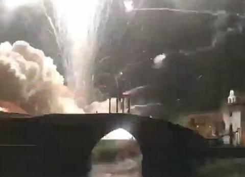 بالفيديو| عرض ألعاب نارية يتحول إلى انفجارات ضخمة