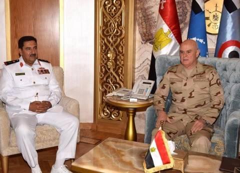 رئيس أركان القوات المسلحة يلتقي مدير الاستخبارات العسكرية البحريني