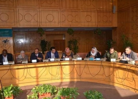 محافظ الإسماعيلية: عقد اجتماع لمناقشة محاور الخطة التنفيذية السكانية