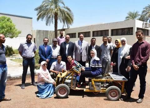 طلاب «التعليم الصناعى» بسوهاج يبتكرون سيارة تعمل بالطاقة الشمسية