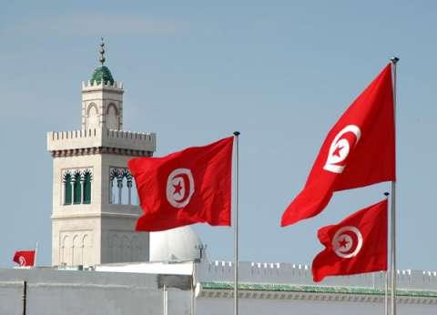 """""""المالية التونسية"""" تحيل 35 موظفا بـ""""الجمارك"""" إلى مجلس التأديب"""