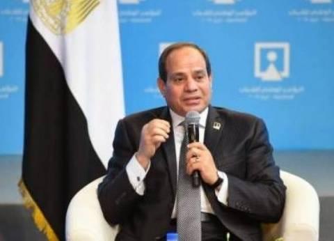 السيسي يطالب مميش بسرعة الانتهاء من بناء مراكب الصيد