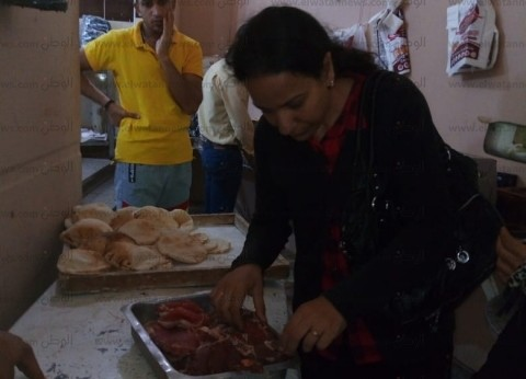 إعدام 91 كيلو مواد غذائية فاسدة في حملة على المنشآت السياحية بمطروح