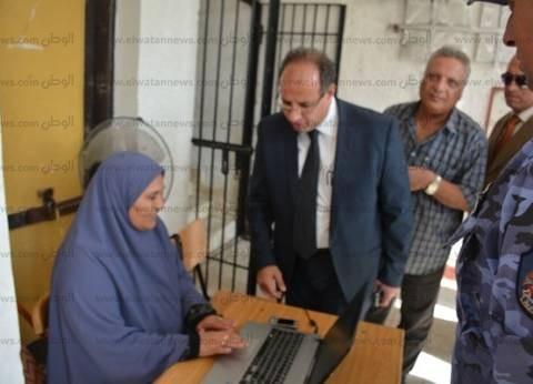 بالصور| محافظ البحيرة يتابع سير الانتخابات في كفرالدوار وأبوحمص