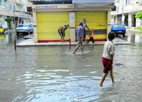 """متضررو أمطار الإسكندرية: """"الرئيس حاسس بينا.. والجيش مسبناش وعوضونا"""""""