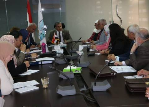 وزير البيئة يترأس اجتماعا لمناقشة الوضع البيئي لمصنعي كيما وطلخا