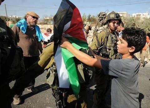 عاجل| استشهاد طفل فلسطيني برصاص الاحتلال الإسرائيلي خلال مسيرات العودة