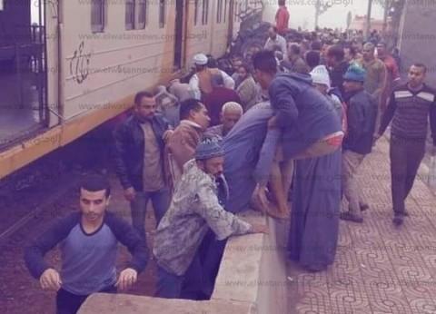 """مصادر بـ""""الإسعاف"""": 10 وفيات و20 مصابا في """"حريق محطة مصر"""" حتى الآن"""